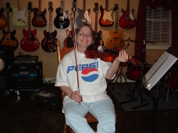 No it's not a Pepsi commercial, just the smiling face of Diane Charette. A musician that brings a lot of life to 460.